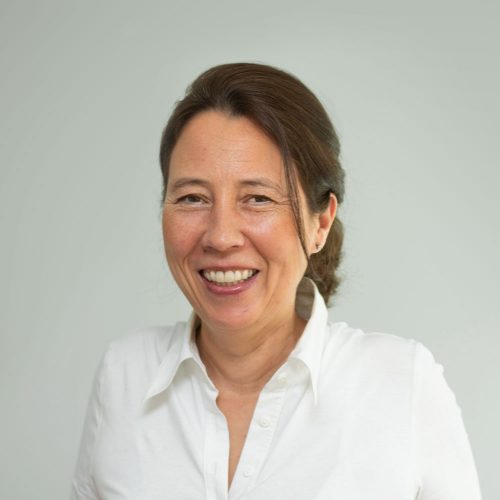 Dr-Pilvi-Hermanutz-Amon